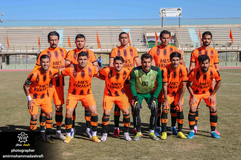 گزارش تصویری: هفته یازدهم لیگ یک فوتبال کشور/مس کرمان- آرمان گهر سیرجان از دریچه دوربین امیرمحمد اشرفی