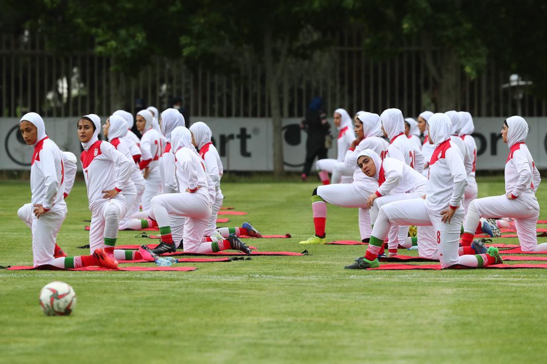 حضور دختران شهرداری سیرجان در اردوی تیم ملی (عکس)