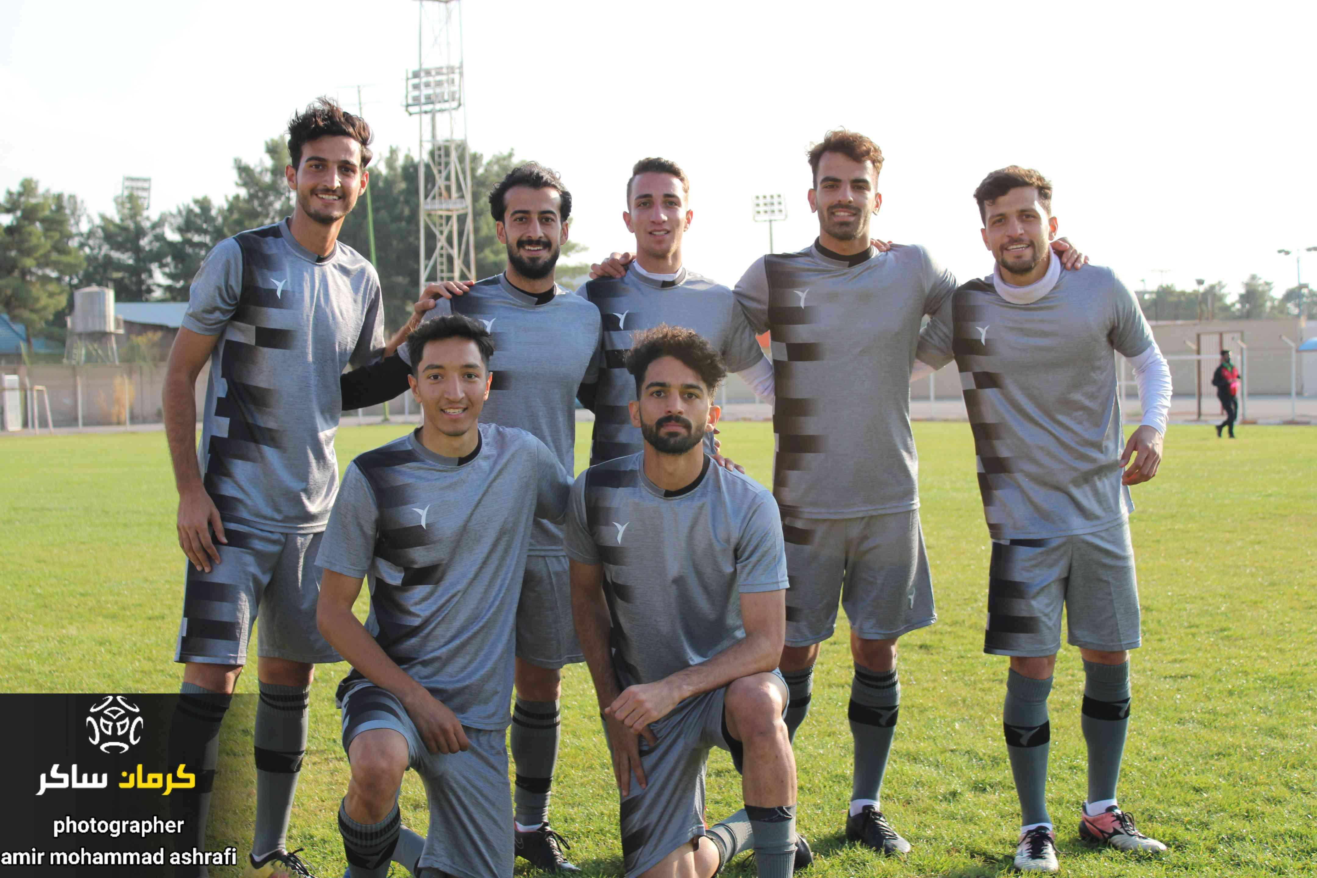 گزارش تصویری: تمرینات آماده سازی پیش فصل تیم فوتبال مشیز کرمان از نگاه دوربین امیرمحمداشرفی