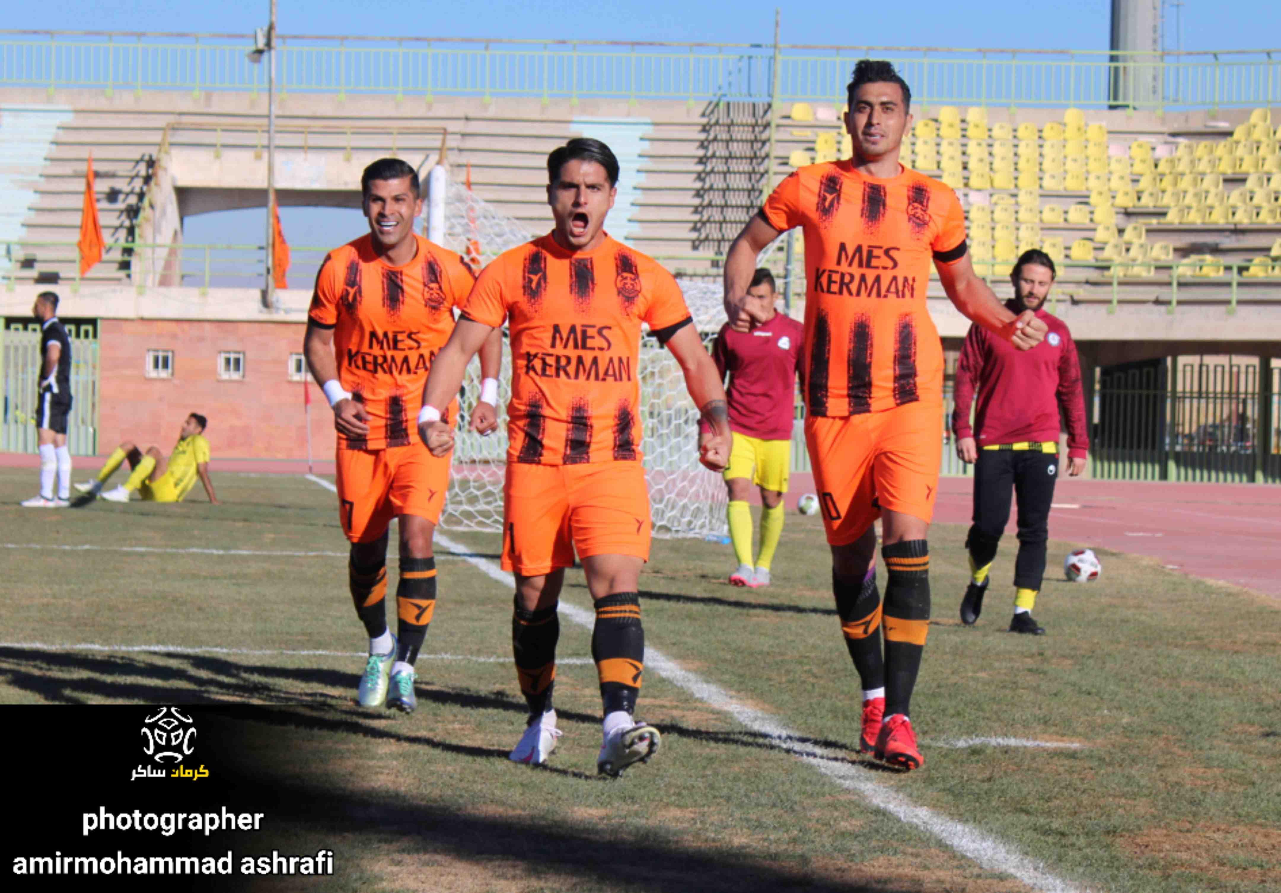 گزارش تصویری: هفته نهم لیگ یک فوتبال کشور/مس کرمان- پارس جنوبی جم از دریچه دوربین امیرمحمد اشرفی