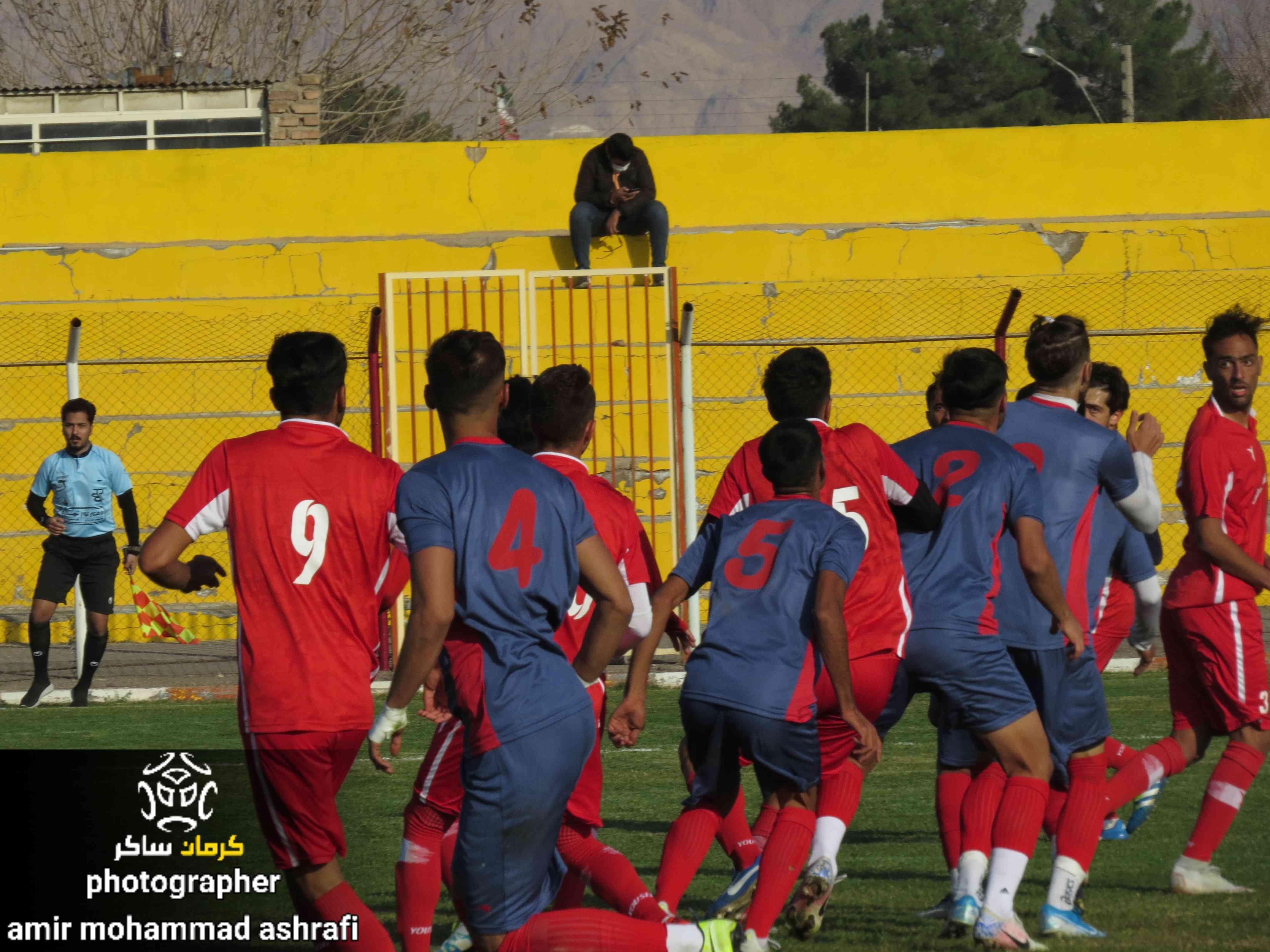 گزارش تصویری: دیدار تدارکاتی تیم های مشیز کرمان - امید گل گهر سیرجان از نگاه دوربین امیرمحمد اشرفی