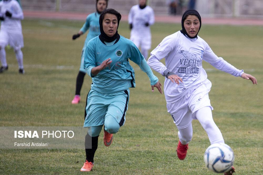 گزارش تصویری: هفته سوم لیگ برتر فوتبال بانوان کشور/ وچان کردستان - شهرداری سیرجان