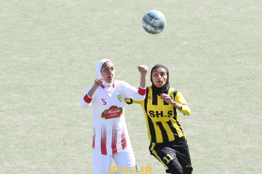 گزارش تصویری: هفته پانزدهم لیگ برتر فوتبال بانوان کشور/ شهرداری بم - شهرداری سیرجان