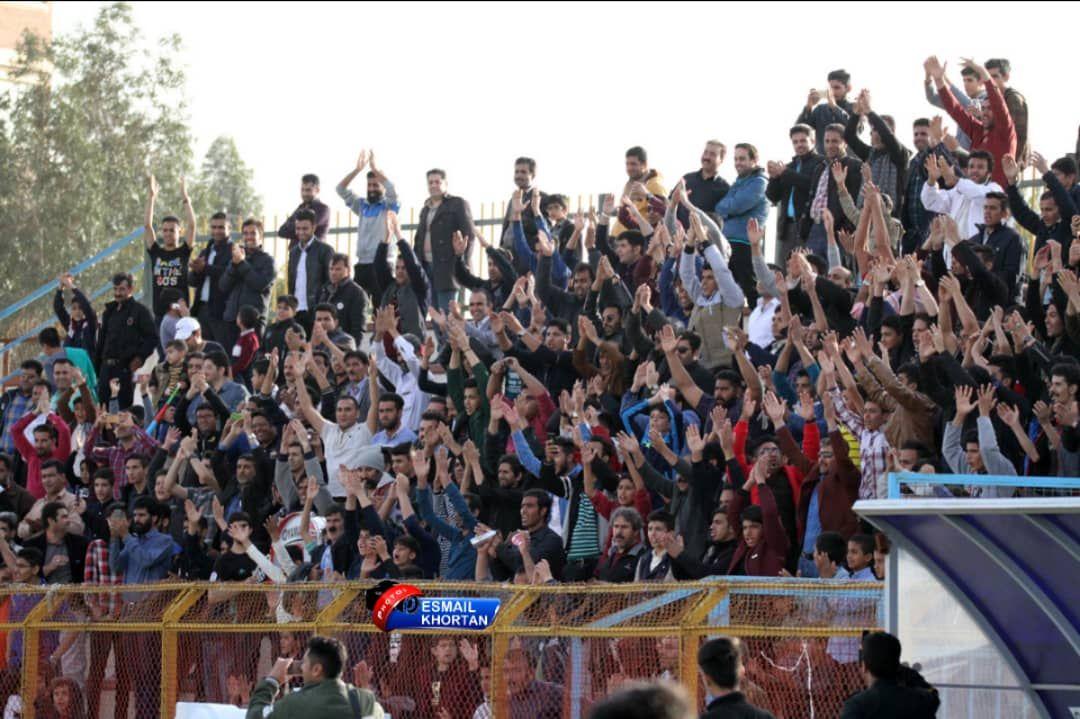 شادی هواداران گل گهر پس از صعود به لیگ برتر