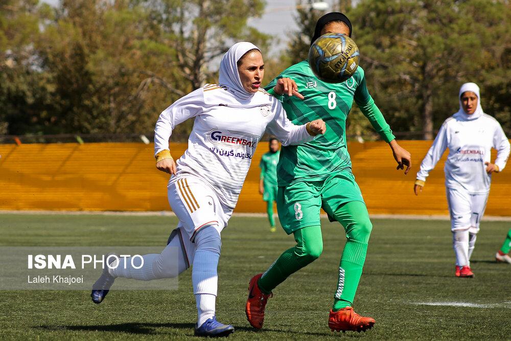 گزارش تصویری: هفته چهارم لیگ برتر فوتبال بانوان کشور/ شهرداری سیرجان - شهرداری بم