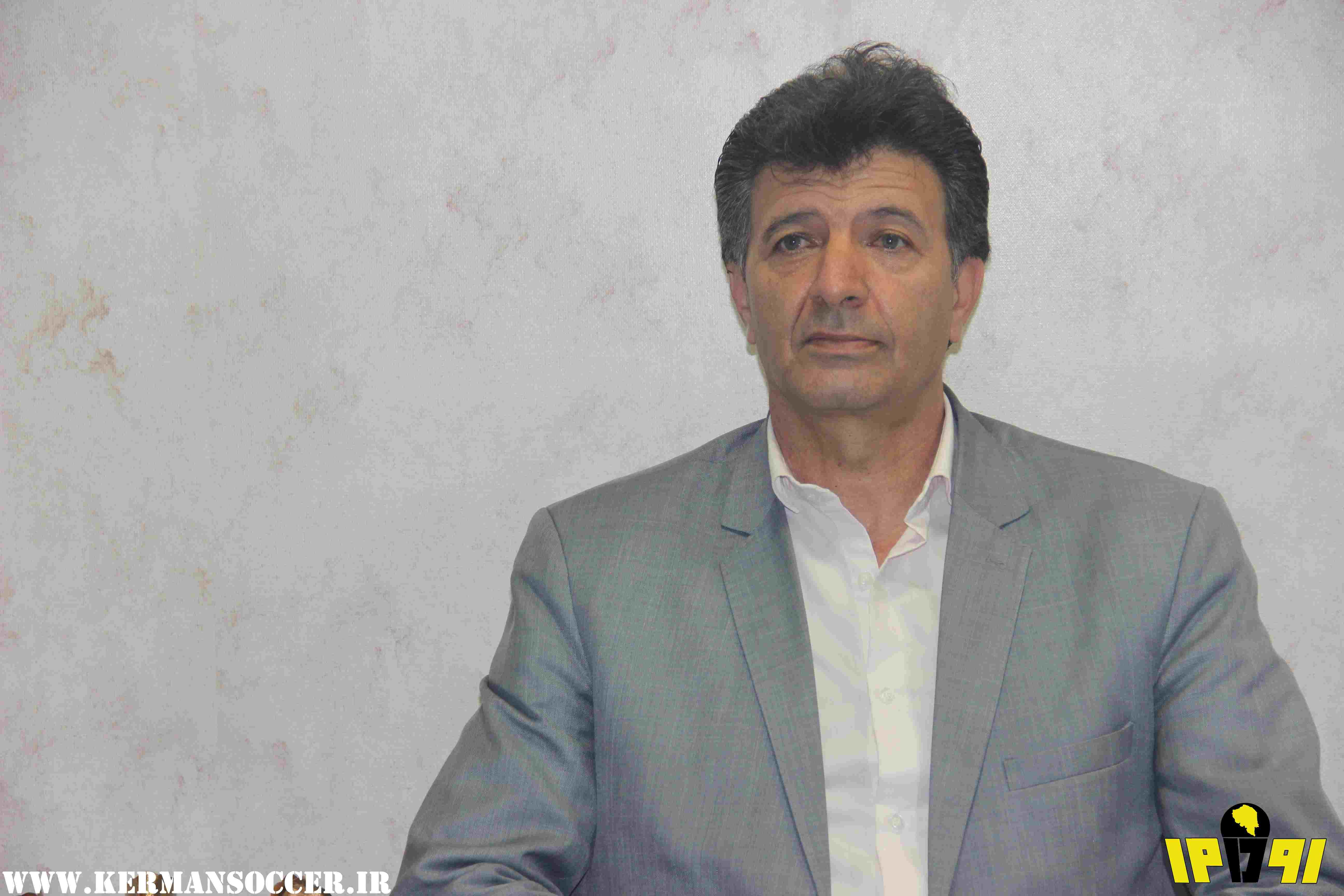 گزارش تصویری: مجله تصویری رو در رو (پیشاهنگ) - گفتگو با شهامت خواجهپور پیشکسوت فوتبال باشگاه شهرداری کرمان