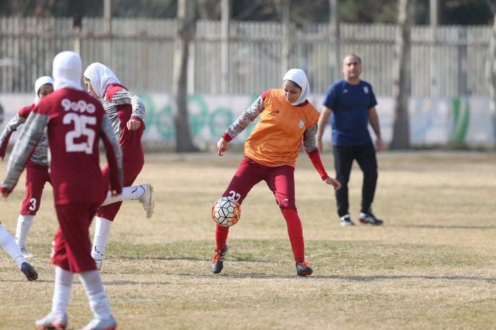مربیان مرد در تیمهای ملی زنان