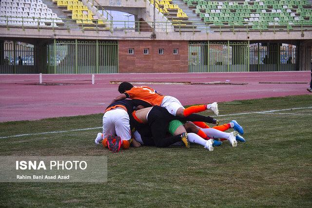 گزارش تصویری: هفته بیستم لیگ دسته یک فوتبال کشور (سری اول)/ مس کرمان - آرمانگهر سیرجان