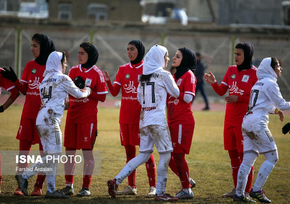 گزارش تصویری: هفته یازدهم لیگ برتر فوتبال بانوان کشور (سری دوم)/ وچان کردستان - شهرداری بم