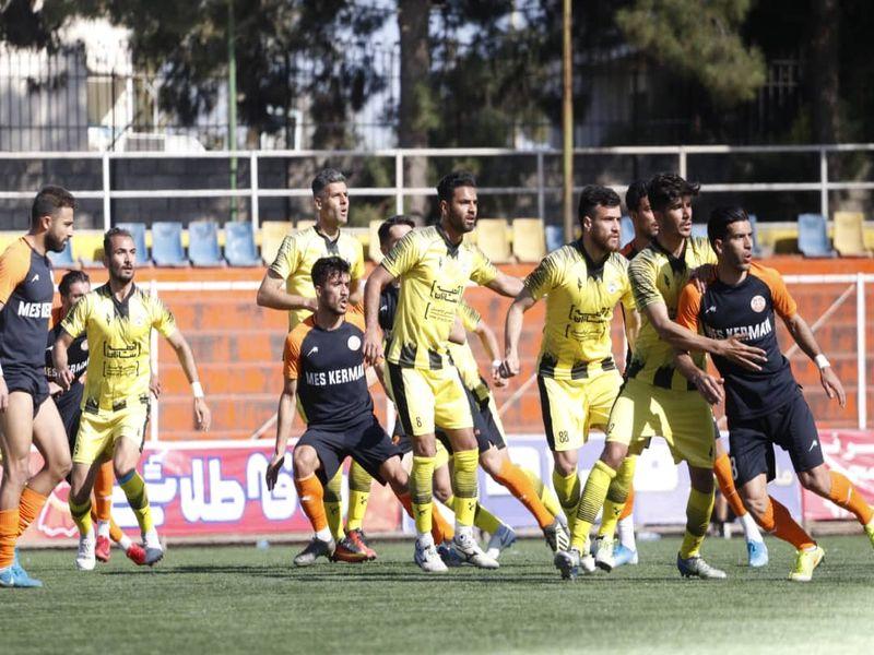 گزارش تصویری: هفته بیست و ششم لیگ دسته یک فوتبال کشور/ فجرسپاسی شیراز - مس کرمان