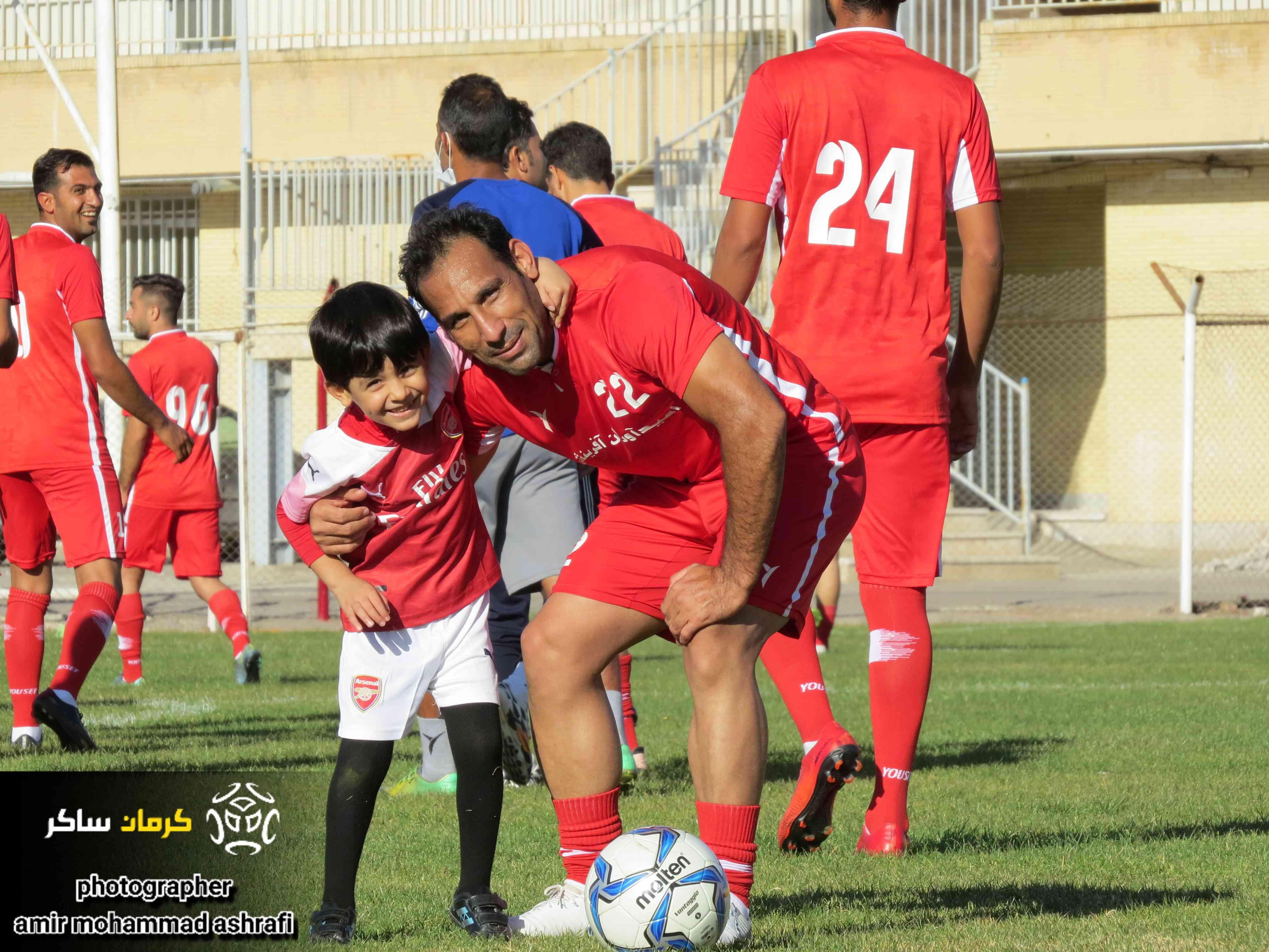 گزارش تصویری: تمرینات عصر امروز (۱۰ آذر ماه) تیم فوتبال مشیز کرمان از نگاه دوربین امیرمحمد اشرفی
