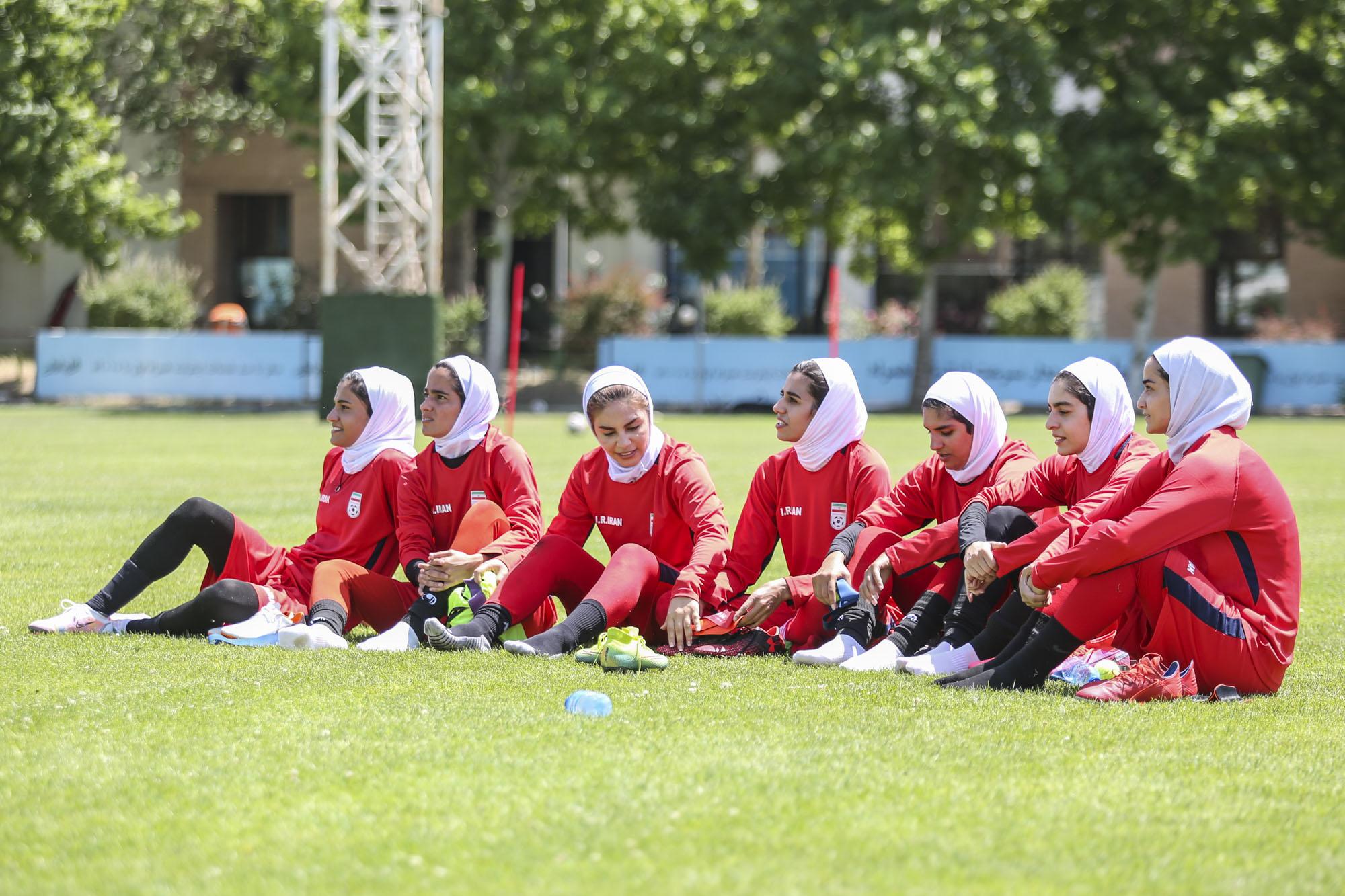 کرونا اردوی تیم ملی فوتبال بانوان را لغو کرد