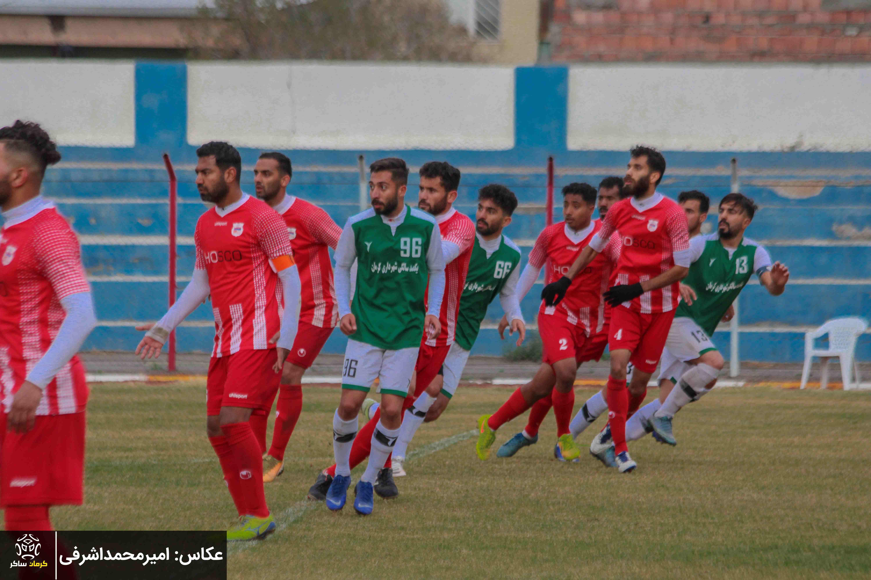 گزارش تصویری:هفته هشتم لیگ دسته سوم کشور/مشیز کرمان- فولاد هرمزگان از دریچه دوربین امیرمحمد اشرفی