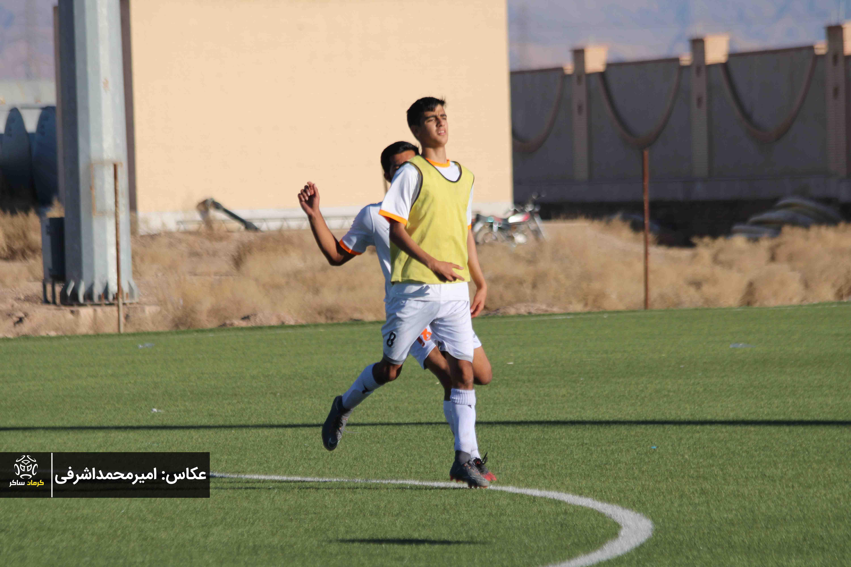 گزارش تصویری: تمرینات تیم فوتبال جوانان مس کرمان از نگاه دوربین امیرمحمداشرفی