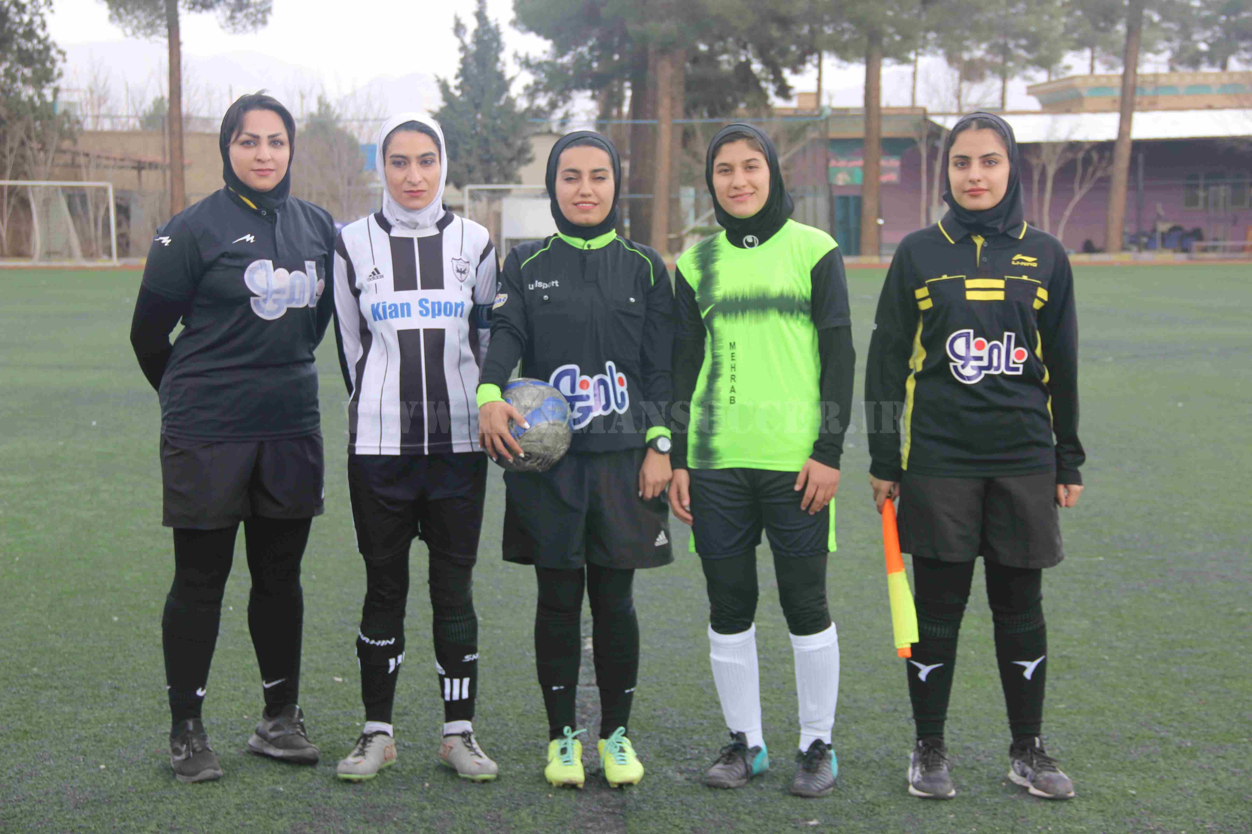 گزارش تصویری: هفته نخست لیگ فوتبال بانوان شهرستان کرمان/ شاهین الف کرمان - محراب کرمان