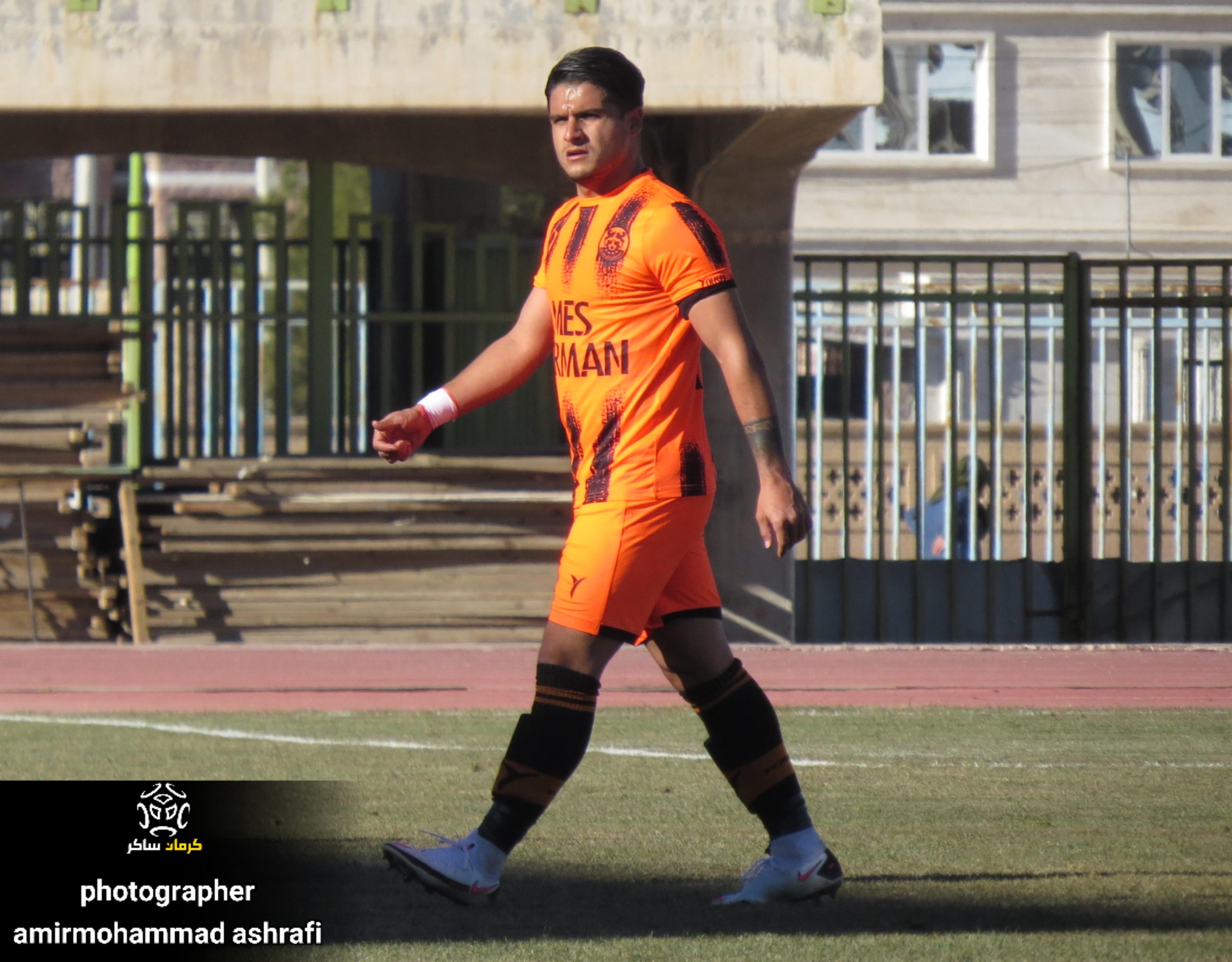 نینجایِ فوتبال ایران همچنان میدرخشد