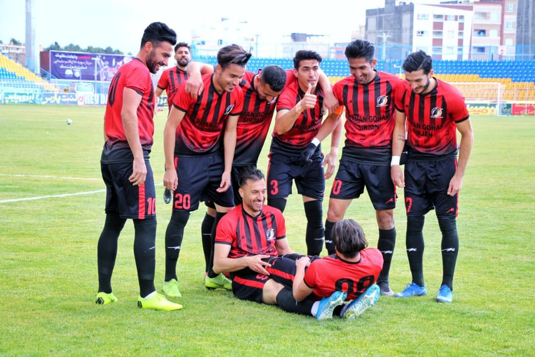 گزارش تصویری: هفته بیست و یکم لیگ دسته یک فوتبال کشور/ آرمانگهر سیرجان 3 - 0 داماش گیلان