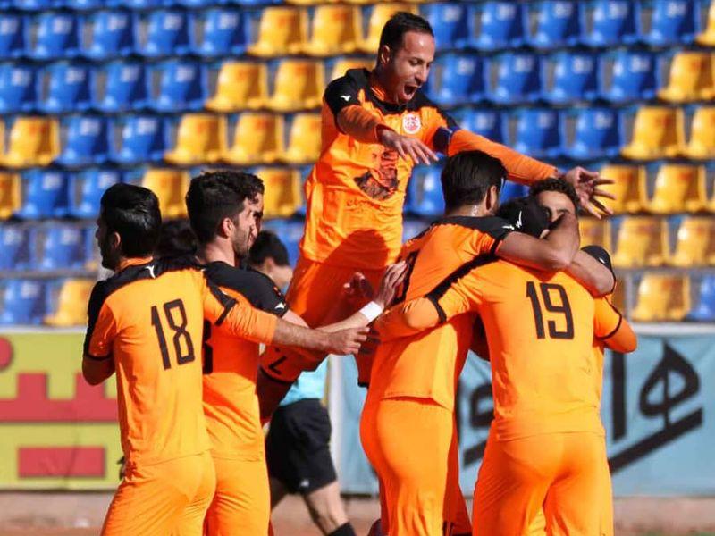 گزارش تصویری: هفته هجدهم لیگ دسته یک فوتبال کشور/ مس کرمان - قشقایی شیراز