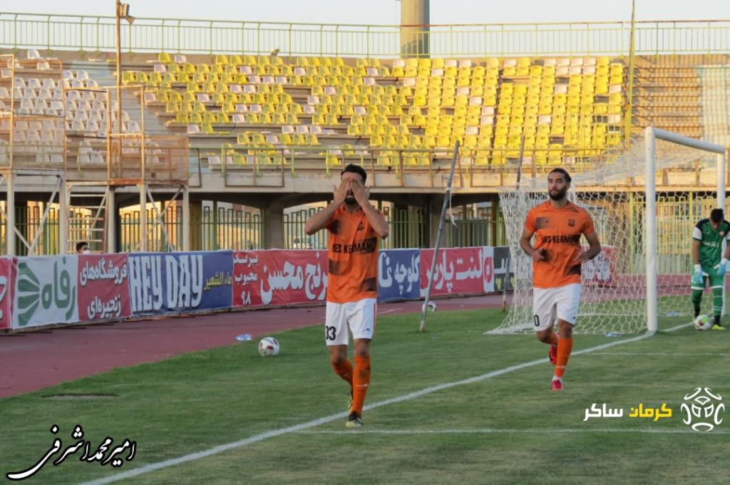 گزارش تصویری: هفته سی و یکم لیگ یک فوتبال کشور/مس کرمان-سپیدرود رشت از نگاه دوربین امیرمحمد اشرفی