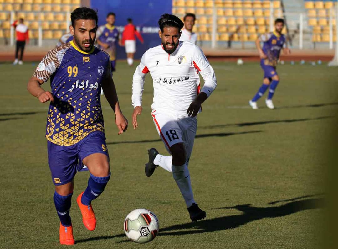 گزارش تصویری: هفته هشتم لیگ یک فوتبال کشور/ آرمان گهر سیرجان - هوادار تهران از نگاه دوربین اسماعیل خورتن