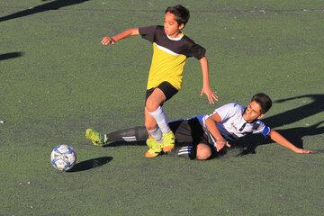 گزارش تصویری: هفته نخست لیگ فوتبال نونهالان شهرستان کرمان/ شاهین کرمان - امیران کرمان
